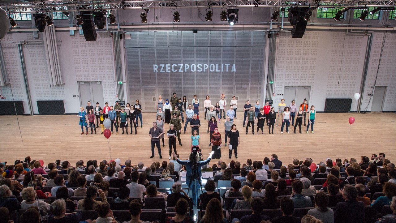THE CONSTITUTION FOR A CHORUS OF POLES, devised, directed and written by Marta Górnicka, premiere: 1.05.2016,  Nowy Theatre in Warsaw. Photographer: Robert Rumas.