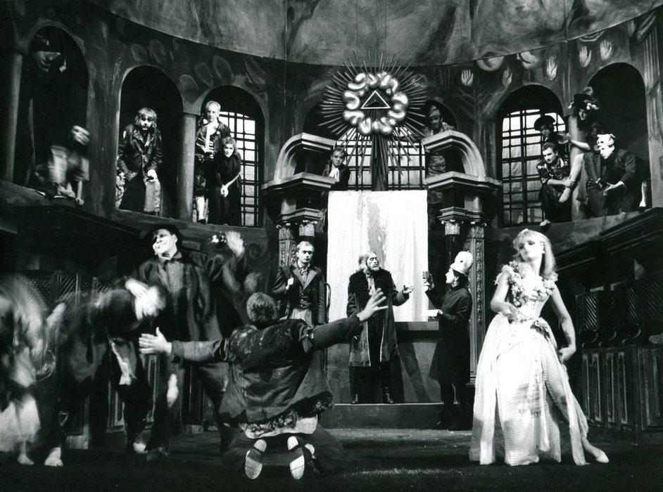 Zygmunt Krasiński, <i>Un-Divine Comedy</i>, directed by Konrad Swinarski, Stary Theatre in Kraków, premiere: 09.10.1965. Photographer: Wojciech Plewiński.