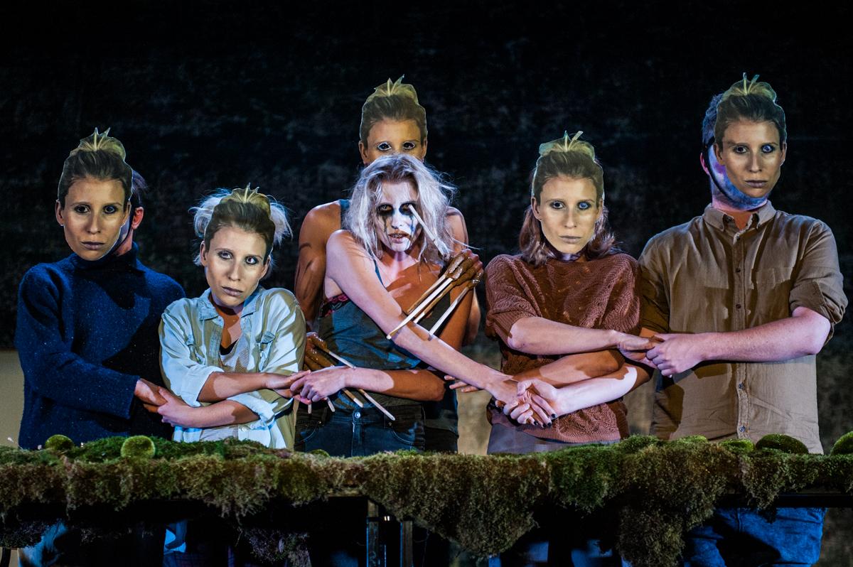 <i>Dybuk</i>, directed by Anna Smolar, premiere: 4.12.2015, Hieronim Konieczka Polski Theatre in Bydgoszcz. Photographer: Monika Stolarska.